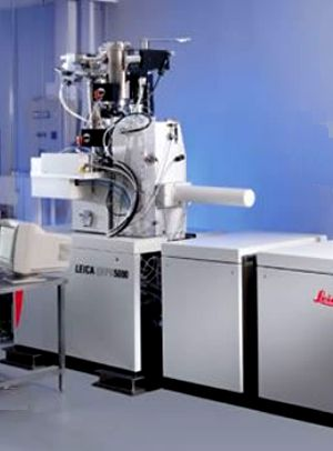 The Leica 5000+ electron beam lithography facility in the CREOL cleanroom